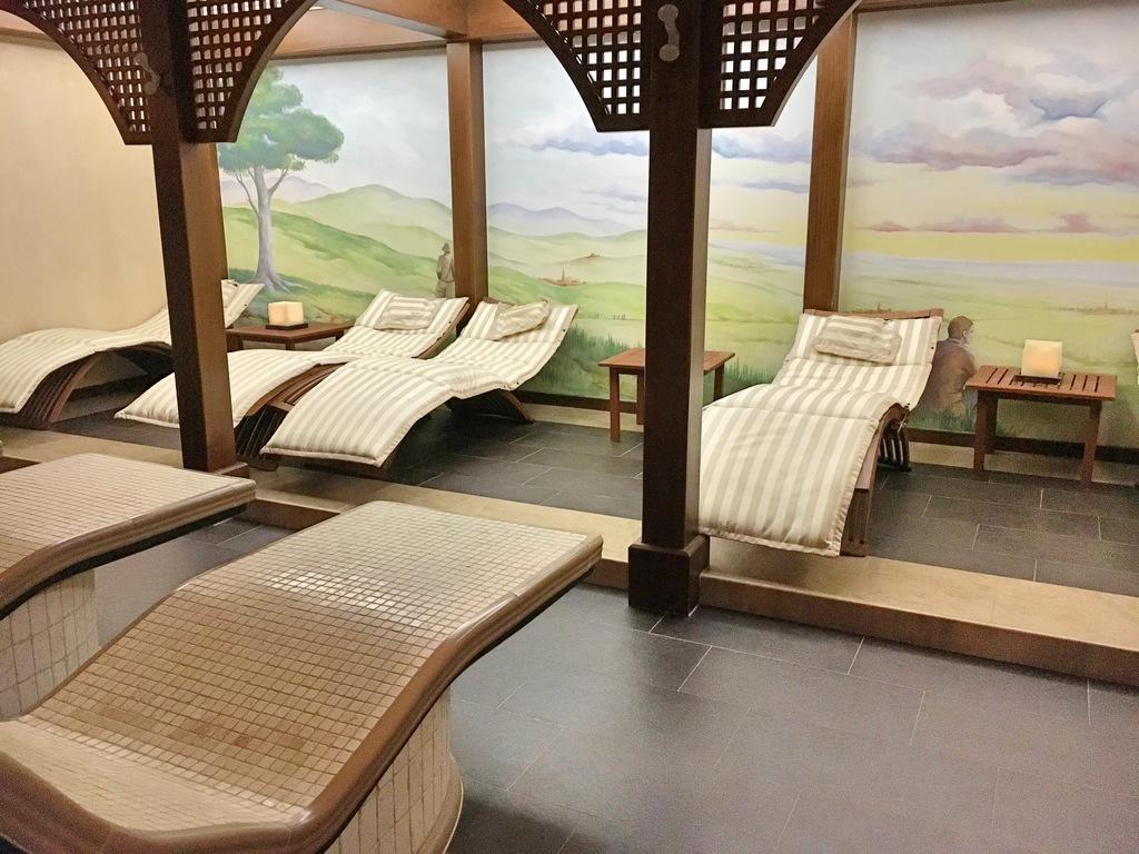 salle de repos l 39 h tel spa les violettes jungholtz alsace une fille en alsace. Black Bedroom Furniture Sets. Home Design Ideas